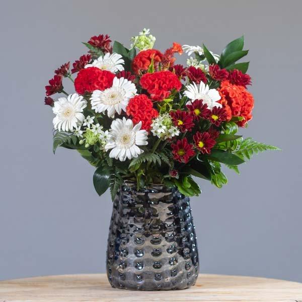 לה ולי פרחים - אדום לבן - משלוחי פרחים בחיפה