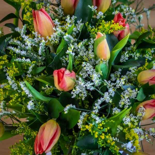 לה ולי פרחים - בוקס טוליפ - משלוחים בחיפה