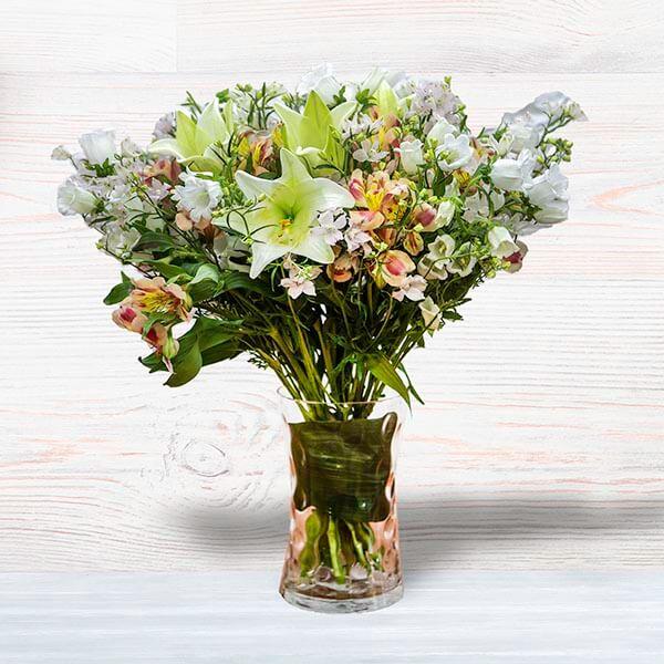לה ולי פרחים - פסח שמח
